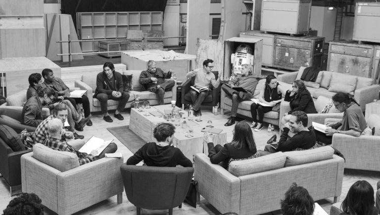 Clockwise from R2D2: Harrison Ford (Han Solo), Daisy Ridley (Rey), Carrie Fisher (Leia Organa), Peter Mayhew (Chewbacca), Bryan Burk (producer), Kathleen Kennedy (producer), Domhnall Gleeson (General Hux), Anthony Daniels (C-3PO), Mark Hamill (Luke Skywalker), Andy Serkis (Snoke), Oscar Isaac (Poe Dameron), John Boyega (Finn), Adam Driver (Kylo Ren), Lawrence Kasdan (screenwriter), J.J. Abrams (director)