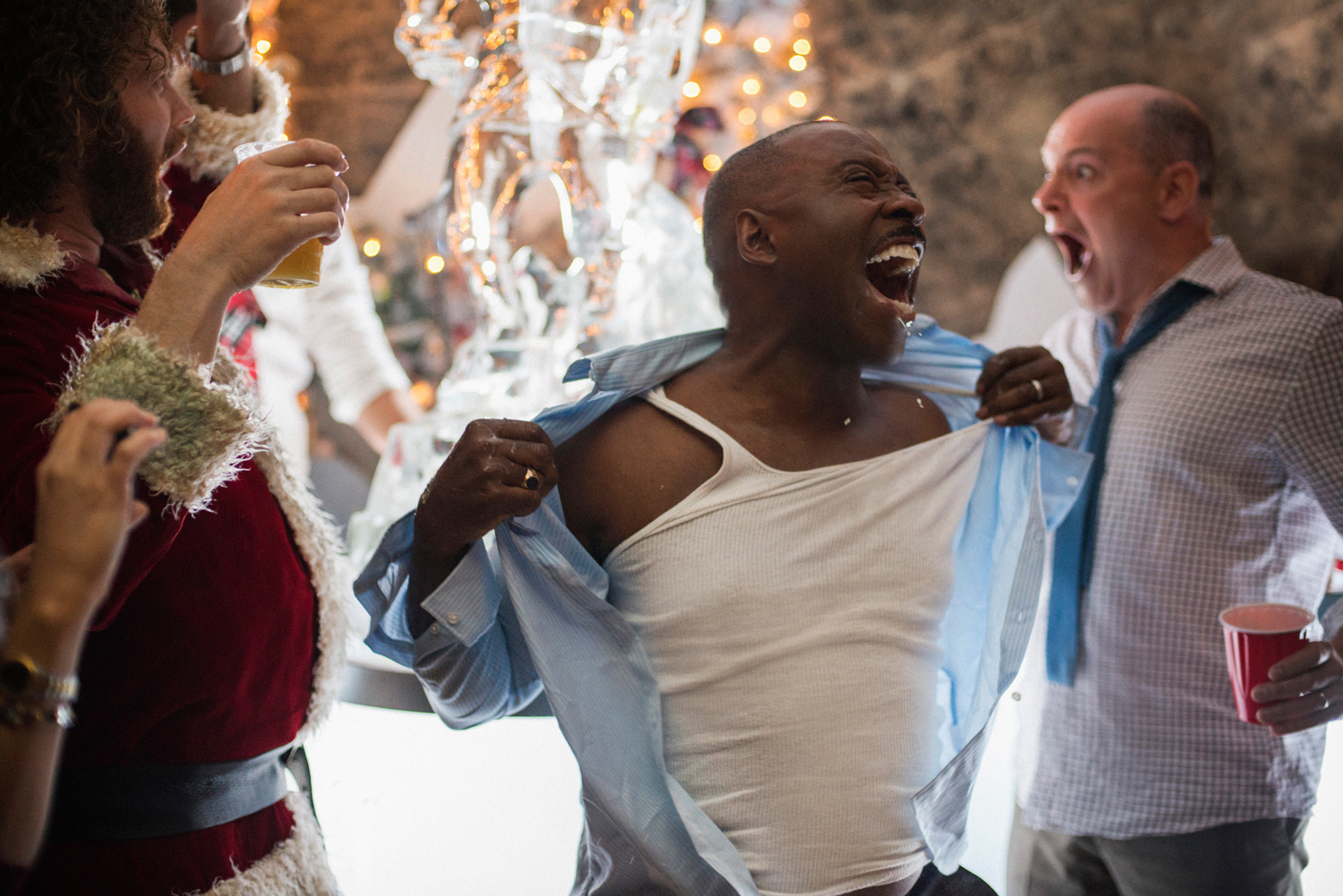 Movie Review: Office Christmas Party – Howard For Film